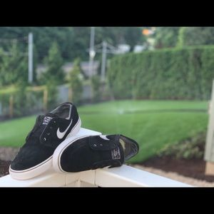Jenoski Nike Skate Shoes